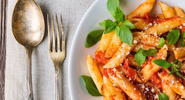 Pasta with tomatoes: how to achieve perfection