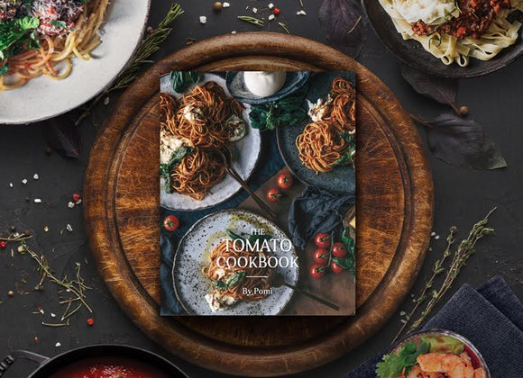 """The Tomato Cookbook"", por Pomì"