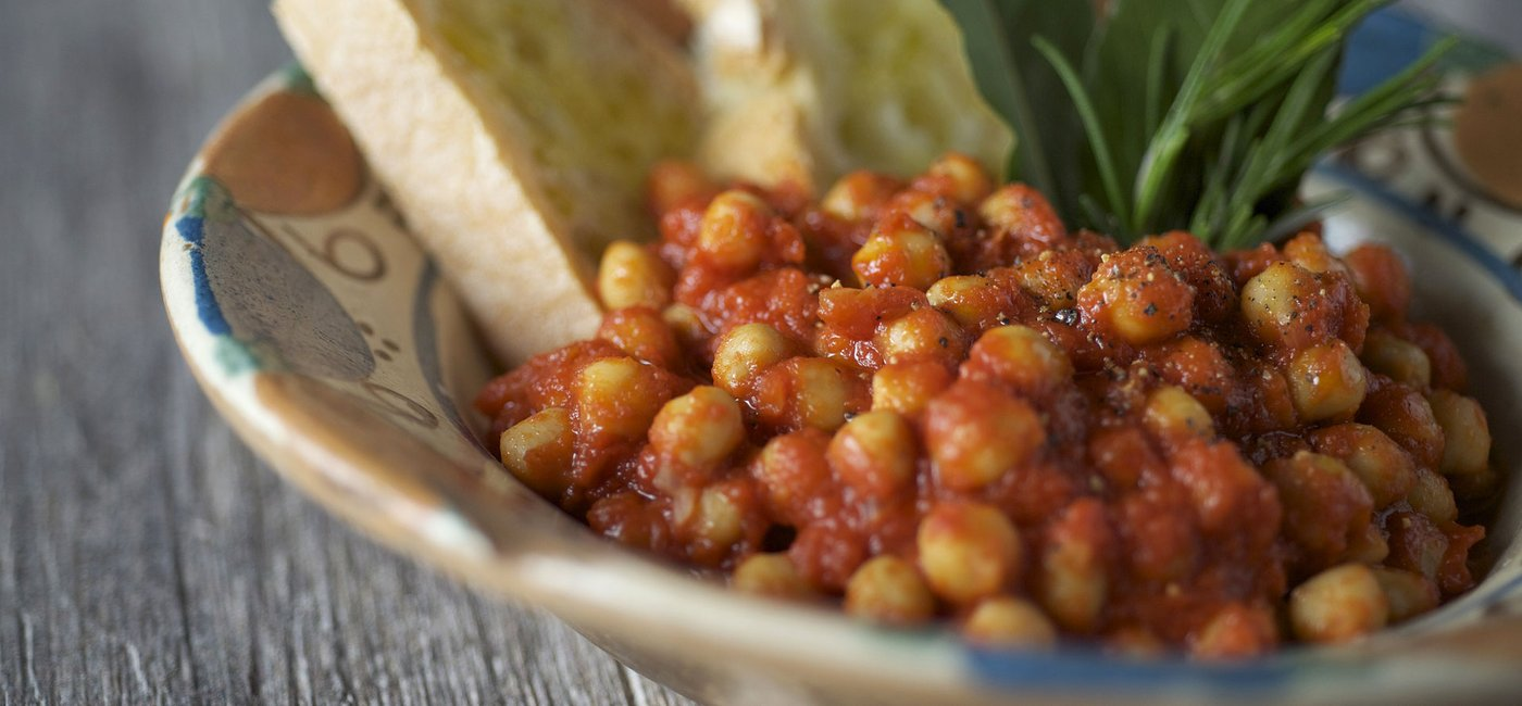 Roasted chickpeas with tomato