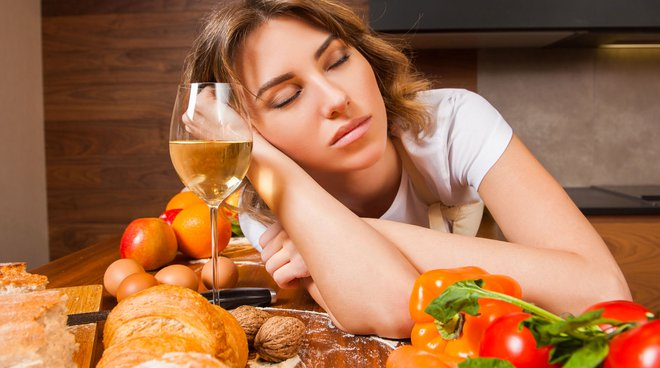 Eating well to sleep better and not gain weight